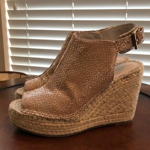 Kenneth Cole size 8 Olivia Wedge Sandals